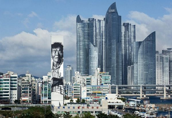 Mind-Blowing-Pieces-of-Street-Art-from-Around-the-World-6