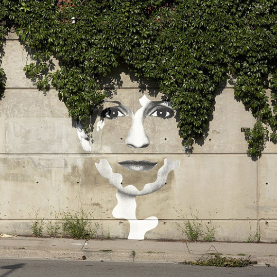 10-Breathtaking-Street-Art-that-Interacts-with-Its-Surroundings-1