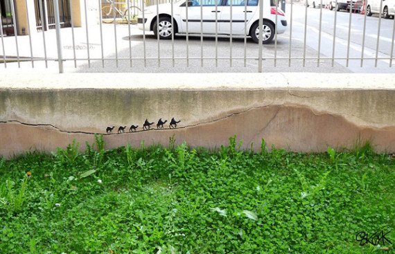 10-Breathtaking-Street-Art-that-Interacts-with-Its-Surroundings-10