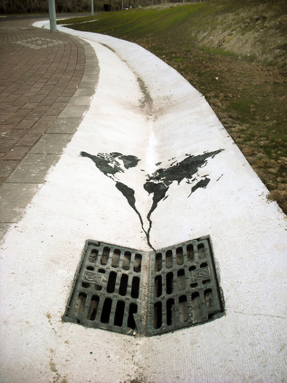 10-Breathtaking-Street-Art-that-Interacts-with-Its-Surroundings-3