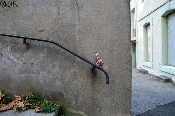 10-Breathtaking-Street-Art-that-Interacts-with-Its-Surroundings-4