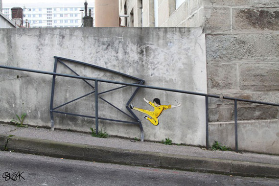 10-Breathtaking-Street-Art-that-Interacts-with-Its-Surroundings-6