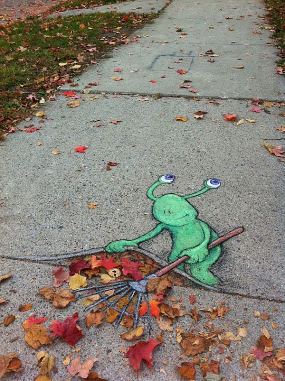 10-Breathtaking-Street-Art-that-Interacts-with-Its-Surroundings-7