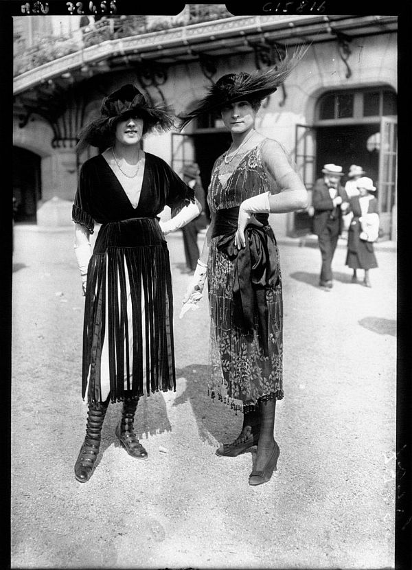 World's First Street Style Fashion Photographs