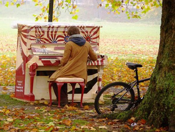 'Play Me I'm Yours': International Piano Phenomenon