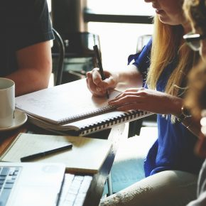 The Do's and Don'ts of Promoting Freelance Services